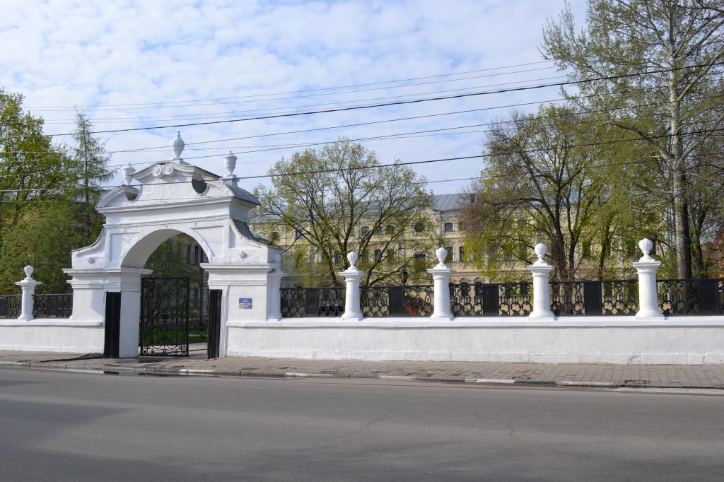 Лугинин дворец (2).jpg